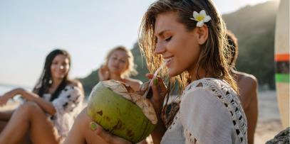 ways to hydrate hair in summer heat